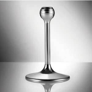 Once the stems have been removed from the upper crystal part, the goblets can be placed into the glass rack and the stems in the cutlery section.